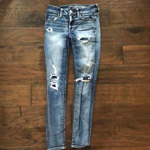 American Eagle distressed jeans - size 2